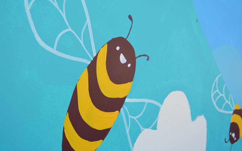 street art bees