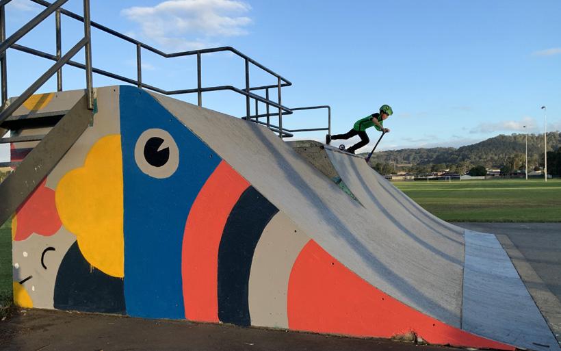 skate park scotter rider